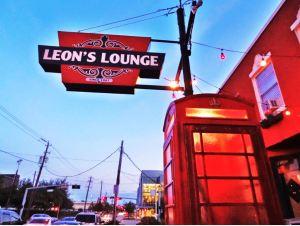 Leons-Lounge-British-Pub-in-Midtown