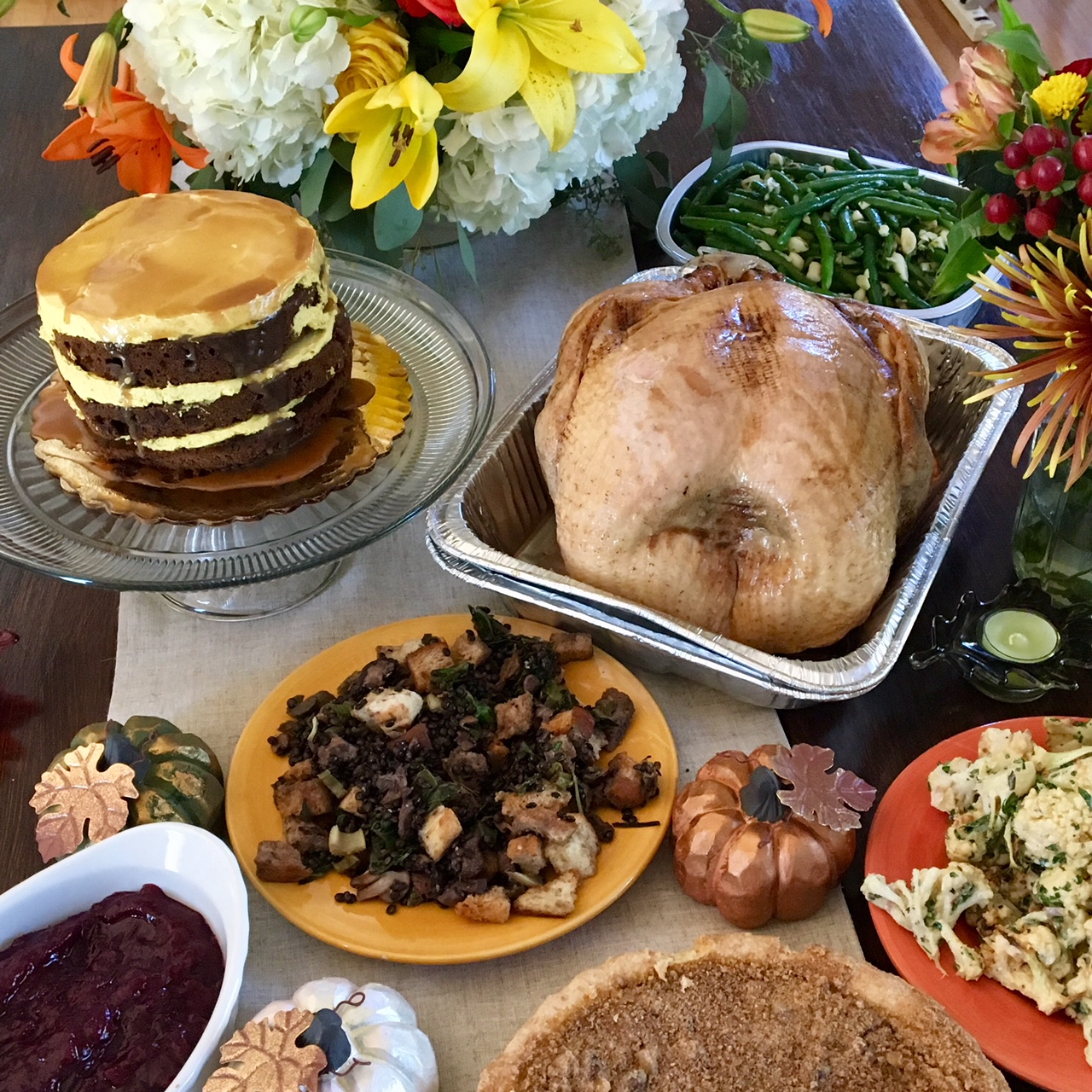 Home» Whole Foods Market» Menus By Occasion» Classic Christmas Dinner Menu Classic Christmas Dinner Menu Here's a traditional and elegant Christmas dinner menu that will welcome guests with homey aromas of roasting and baking.