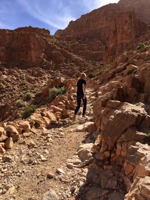 hiking atlas mountains tinghir todra gorge