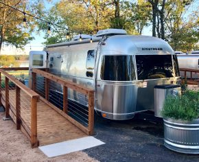 A Houstonian's Guide: Glamping inBastrop