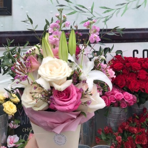 5 Reasons to Treat Yo'self with Flower Deliveries from Picked FlowerCo.